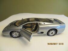Modellauto 1:18, Jaguar XC 220, Maisto