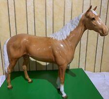 BESWICK HORSE LARGE HUNTER PALOMINO 1734  GLOSS TO RESTORE