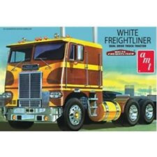 White Freightliner Dual Drive Tractor Camion 1:25 scale Office Detailed PLASTIC KIT