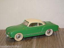 VW Volkswagen Karmann Ghia van Dinky Toys 24M 187 England *15695