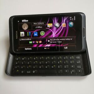 Nokia E7 Smartphone 16Gb Black Unlocked Smartphone QWERTZ Slide Keyboard