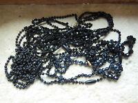 Joli lot colliers perles anciennes Noires 1900 et 1950 bois, pâte de verre