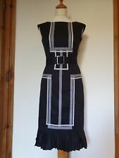 Karen Millen Negro Ajustada Vestido con cinturón, Plisado dobladillo, Gris Contraste. Talla 8