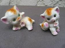 "Pr Vintage Ceramic Small Kitten Figurines White Pink Flowers Green Eyes 2.25"" Hi"