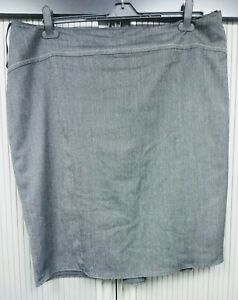 Ladies Grey Skirt with Black Lining / Ruffle at Back  - Smart for Work - Size 20