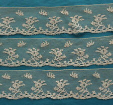 158 cms antique early 19th century bobbin lace border - Lille?