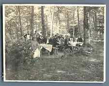 Officiers déjeunant en forêt, à la maison forestière du Rouge Vétu (Vosges), 191