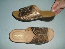 New Easy Spirit Esdallon slides womens shoes Sz 8 W metallic gold