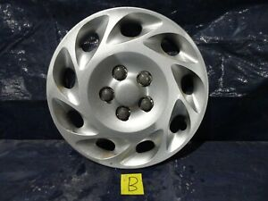 "00-02 SATURN L SERIES 15""  9 Slot  Wheel Cover Hub Cap  2501562 #B"