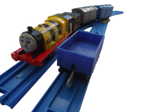 Thomas Trackmaster Busy Bee James & Freight train Tank Friends