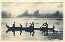 Iles Carolines Oceanie natives boat pirogue a balancier Pacific Islands Oceania