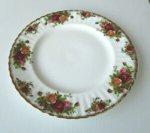 Royal Albert Old Country Roses LARGE DINNER PLATE - 26cm - PERFECT - BUY IT NOW