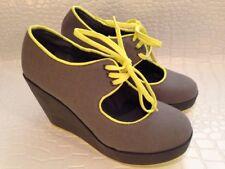 Volatile Kicks Women's High Heel Yellow Lace Up Wedge Gray Grey Punkin Sz 8 NIB