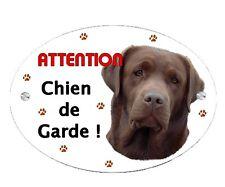 Plaque Attention au chien Labrador chocolat personnalisée avec votre texte