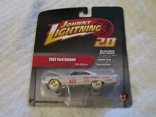 Johnny Lightning 2.0 1963 Ford Galaxie White Lightning