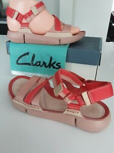 Clarks Trigenic Sandals Coral Pink & Salmon Pink Textile & Leather Straps size 4