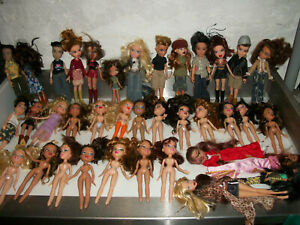 Large Lot Bratz Dolls Figures Shoes Clothes Outfits