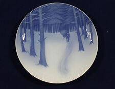 1913 Bing and Grondahl Christmas plate 'Bringing Home the Christmas Tree'