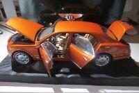 Bentley Mulsanne 2010  Orange Metallic  1:18   Minichamps OVP . 100 139 902