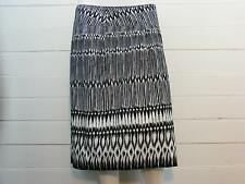 "LANE BRYANT Black & White Geometric LINED Mid-Calf Full Skirt Sz 18 -W38"" x L25"""