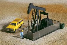 Walthers -N- #3248     Walking Beam/Horse Head Oil Pump - Kit