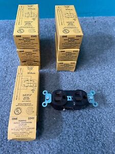 7 BOXES HARVEY HUBBELL DUPLEX GROUNDING OUTLETS #5242 BROWN BAKELITE AUTO GROUND