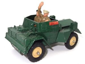 BRITAINS NO. 9781 - ARMY SCOUT CAR - EXCELLENT WITH FIGURES