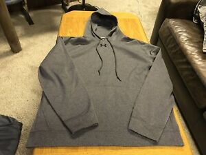 Under Armour Grey Sweatshirt With Small Stitched Logo Mens Size XL