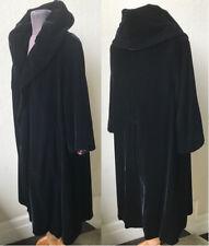 50's Vtg. Divine Portrait Collar Rayon Velvet Bombshell Clutch Coat