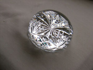 JUST SO STUNNING TO SEE  IS THIS BEAUTIFUL ROYAL DOULTON CRYSTAL PAPERWEIGHT