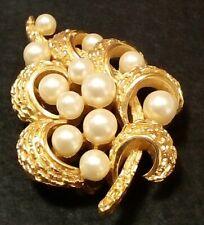 Crown Trifari brooch pin Vintage costume jewelry spray faux pearl gold tone mark