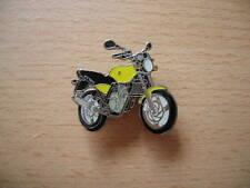 Pin Anstecker MZ 125 RT / 125RT gelb yellow Motorrad Art. 0837 Moped Motorbike