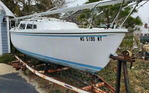 1982 Catalina Swing Keel 22' Sailboat South Yarmouth, MA | No Fees & No Reserve