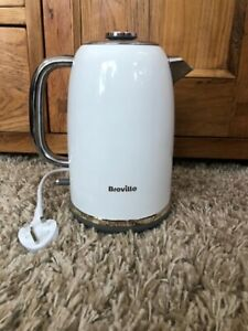 BREVILLE VKT149 Stainless Steel Mostra Fast/Rapid Boil 3kw Jug Kettle In White