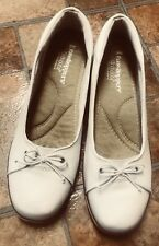 Grasshoppers 9.5 Ortholites Cork Wedge White Shoes 9 1/2