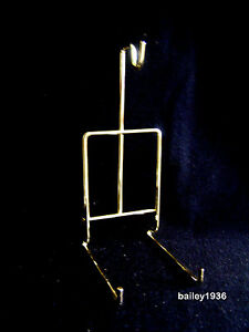 Cup & and Saucer Stand Brass SMOOTH  Wire Display Easel JES 076