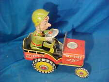 1940s UNIQUE ART Tin Litho GI JOE + His JOUNCING JEEP Wind Up TOY CAR