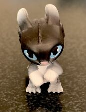 How To Train Your Dragon BABY NIGHT-LIGHT FURY With Blue Eyes Mini Figure blind