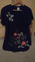 CAbi # 5020 Black Fiore Blouse Floral Career Top Sheer Curved Hem Size Small