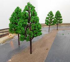5 mittelgrüne Laubbäume, 115 mm hoch