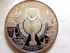 """1970 Equatorial Guinea Two Hundred (200) Pesetas Guineanas Silver Coin """"RARE"""""""