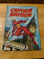 Captain Britain - Artima color Marvel GEANT GIANT - French - Softcover - FLAWED