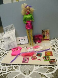 MATTEL 1985 BARBIE AND THE ROCKERS DOLL WITH CASSETTE & ACCESSORIES