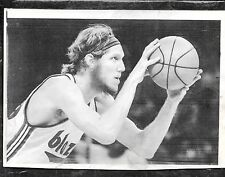 Oct 18 1974 Bill Walton UCLA HOF Rookie Blazers/NBA Debut Original Press Photo