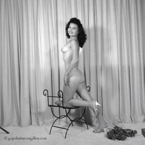 Bunny Yeager 1960 Camera Pin-up Negative Pretty Figure Model Bonnie Carroll Nude