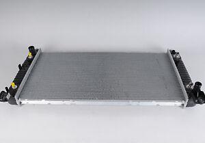 Genuine GM Radiator 22840115