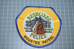 Des Moines Iowa Police Mounted Patrol Patch (B17-S)