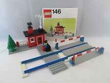 Lego Train 4.5V - 146 Level Crossing