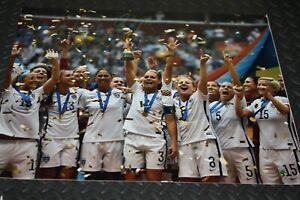 CARLI LLOYD SIGNED AUTOGRAPHED USA World Cup 16x20 Photo STEINER SPORTS COA