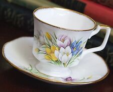 ROYAL HERITAGE BONE CHINA TEA CUP SAUCER SET CROCUS FLOWER ENGLAND 24GOLD GILT